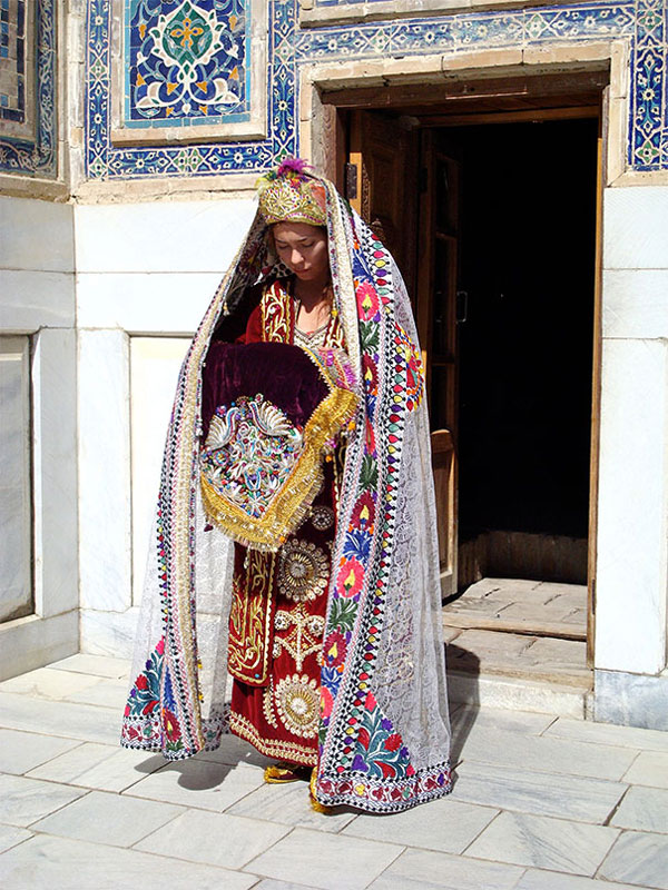 Geleneksel Düğün Kıyafetleri